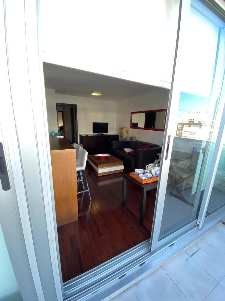 alquile apartamento de 2 dormitorios y garaje punta carretas