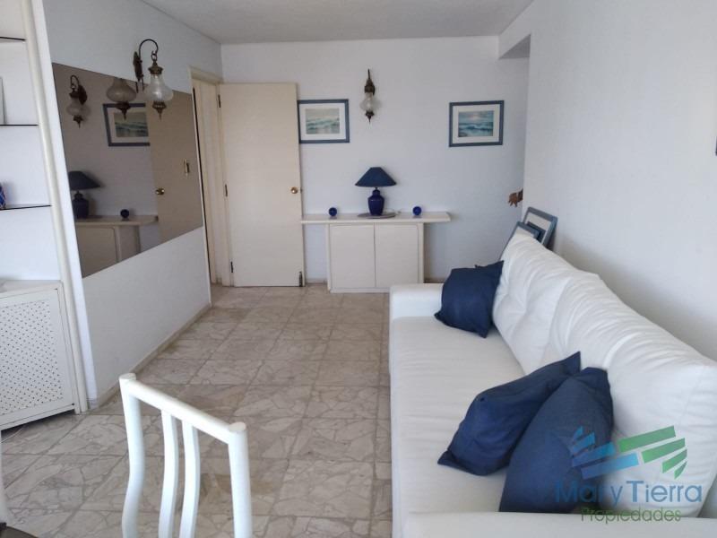alquile ya!!! apartamento en el corazón de la península, punta del este.-ref:1354