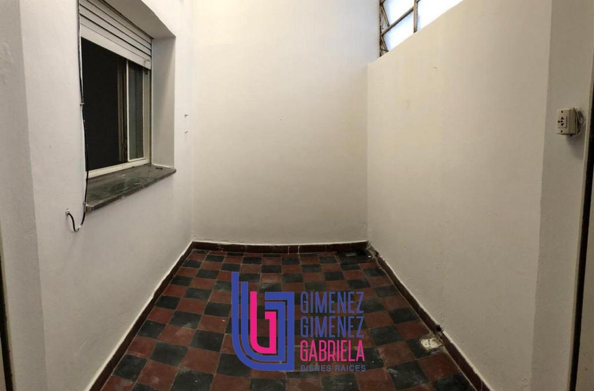 alquiler 15 e/ 44 y 45 casa al frente 3 dormitorios cochera