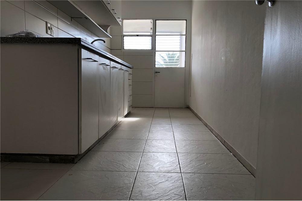 alquiler, 3 dormitorios y 2 baños reciclado.