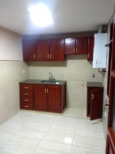 alquiler amplio departamento de un dormitorio, ubicado a 200 mts del monumento 20 de febrero