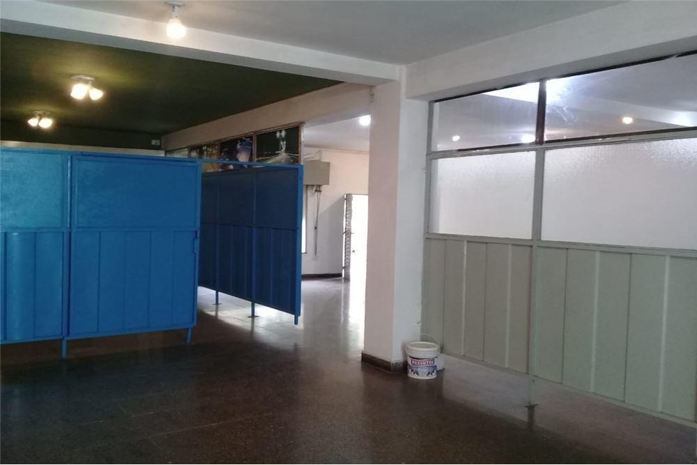alquiler amplio local comercial+ 116 m2 + centro
