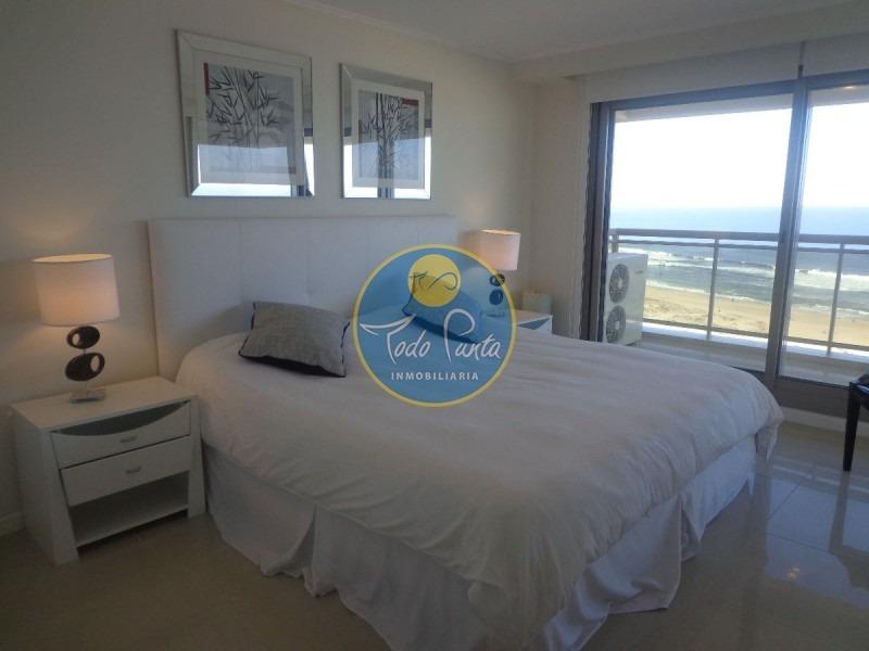 alquiler anual 4 dormitorios con todos los servicios punta del este- ref: 3301