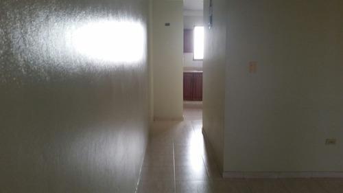 alquiler apartamento 2 habitaciones, cuarto de servicio