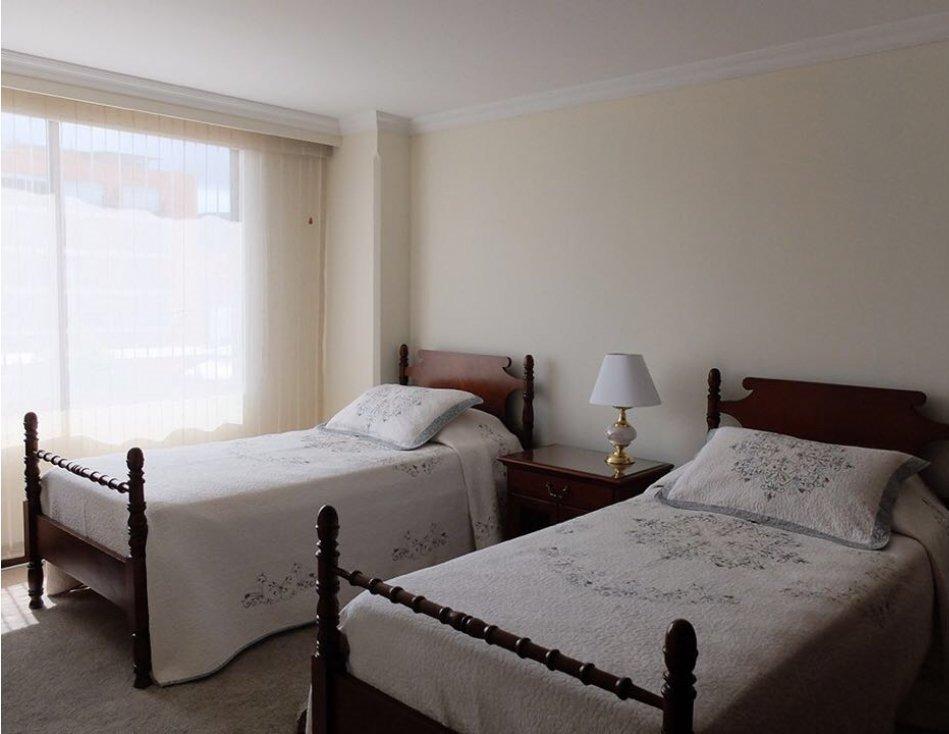 alquiler apartamento amoblado chico navarra 152