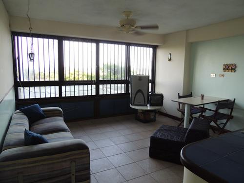 alquiler apartamento vacacional  en vargas