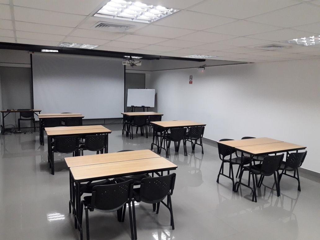 alquiler aulas