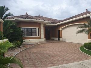 alquiler bella casa en costa sur panama