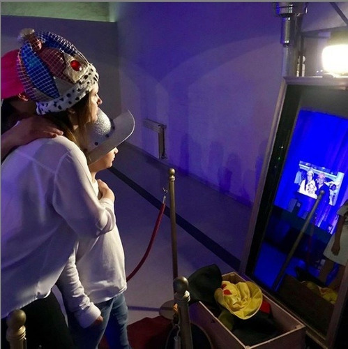 alquiler cabina fotográfica selfie instantánea espejo mágico