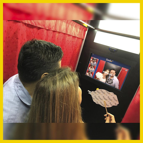 alquiler cabinas de fotos- hashtag print - selfie - smile up