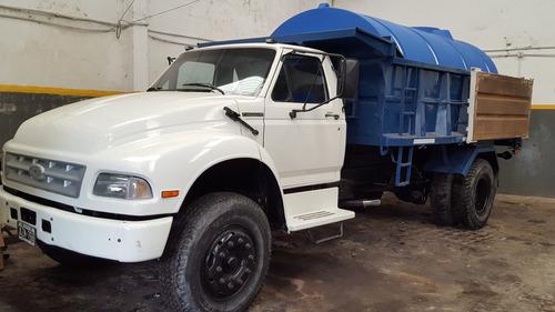 alquiler camión regador con bomba 8000 litros- argecam