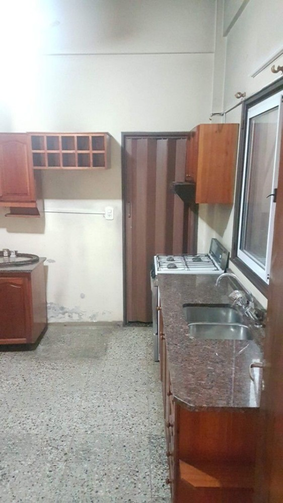 alquiler - casa 3 ambientes en villa celina.(a249)
