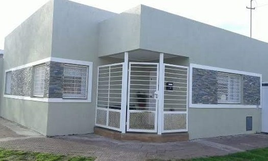 alquiler casa 3 ambientes miramar parrilla zona plazas