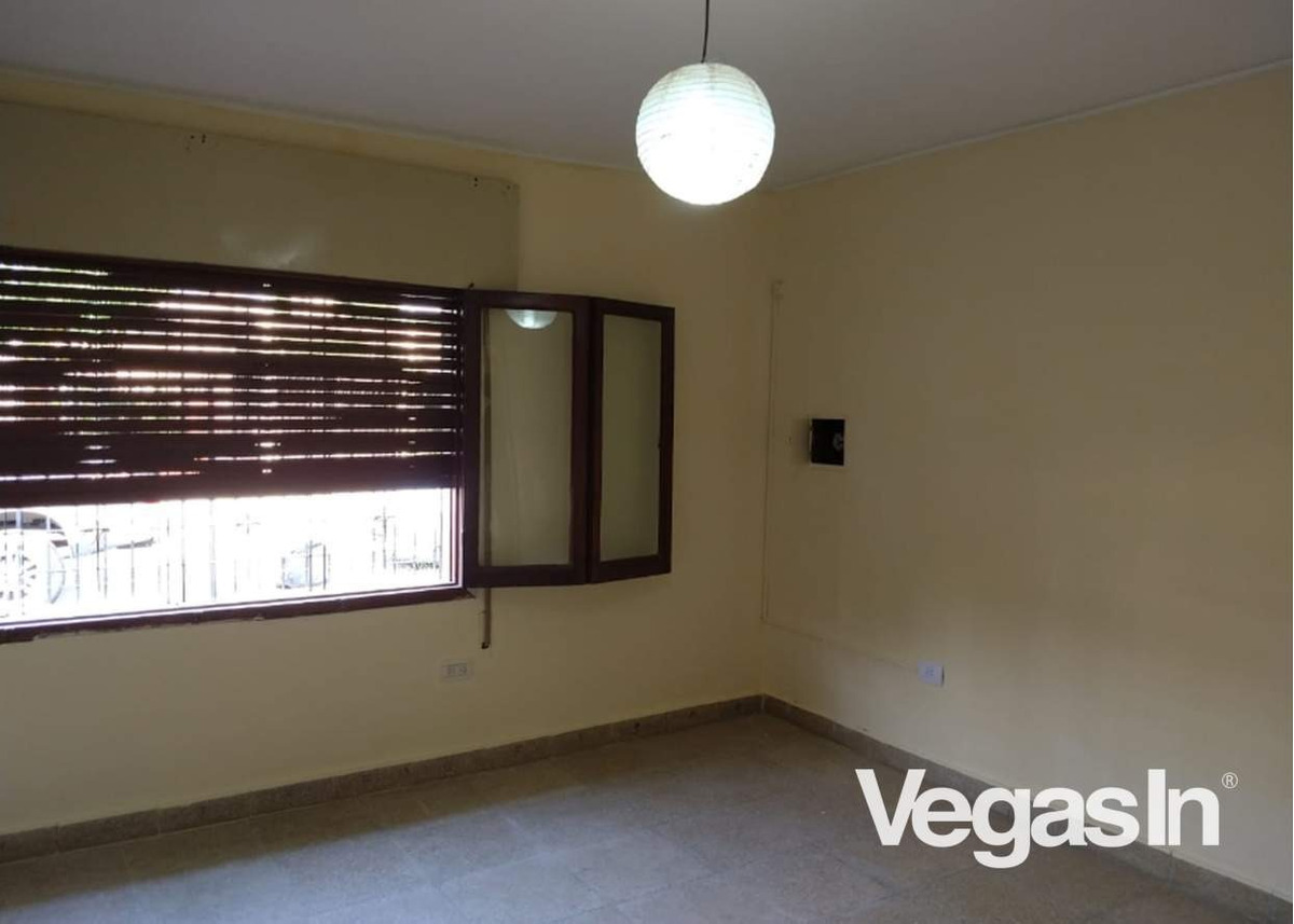 alquiler casa - 3 dormitorios - barrio san carlos