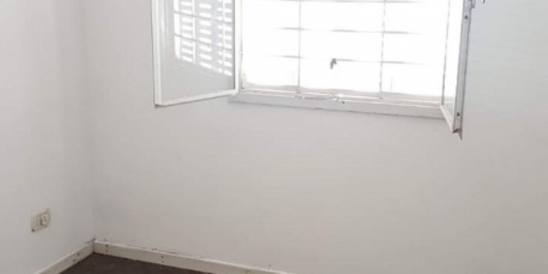 alquiler - casa 4 ambientes en villa celina.(a209)