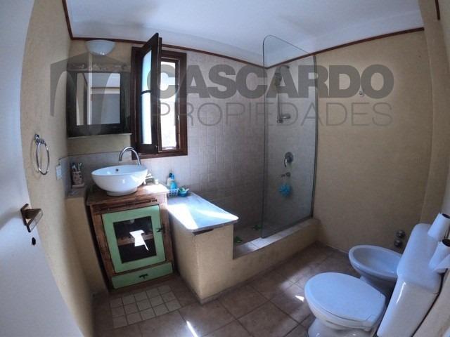 alquiler casa 5 ambientes 4 dormitorios 2 baños piscina