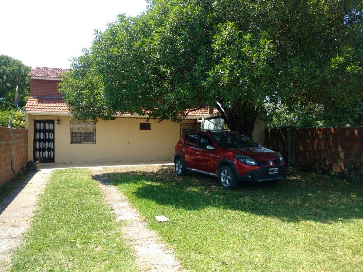 alquiler casa amplia 4 ambientesc/entrada auto y gran parque