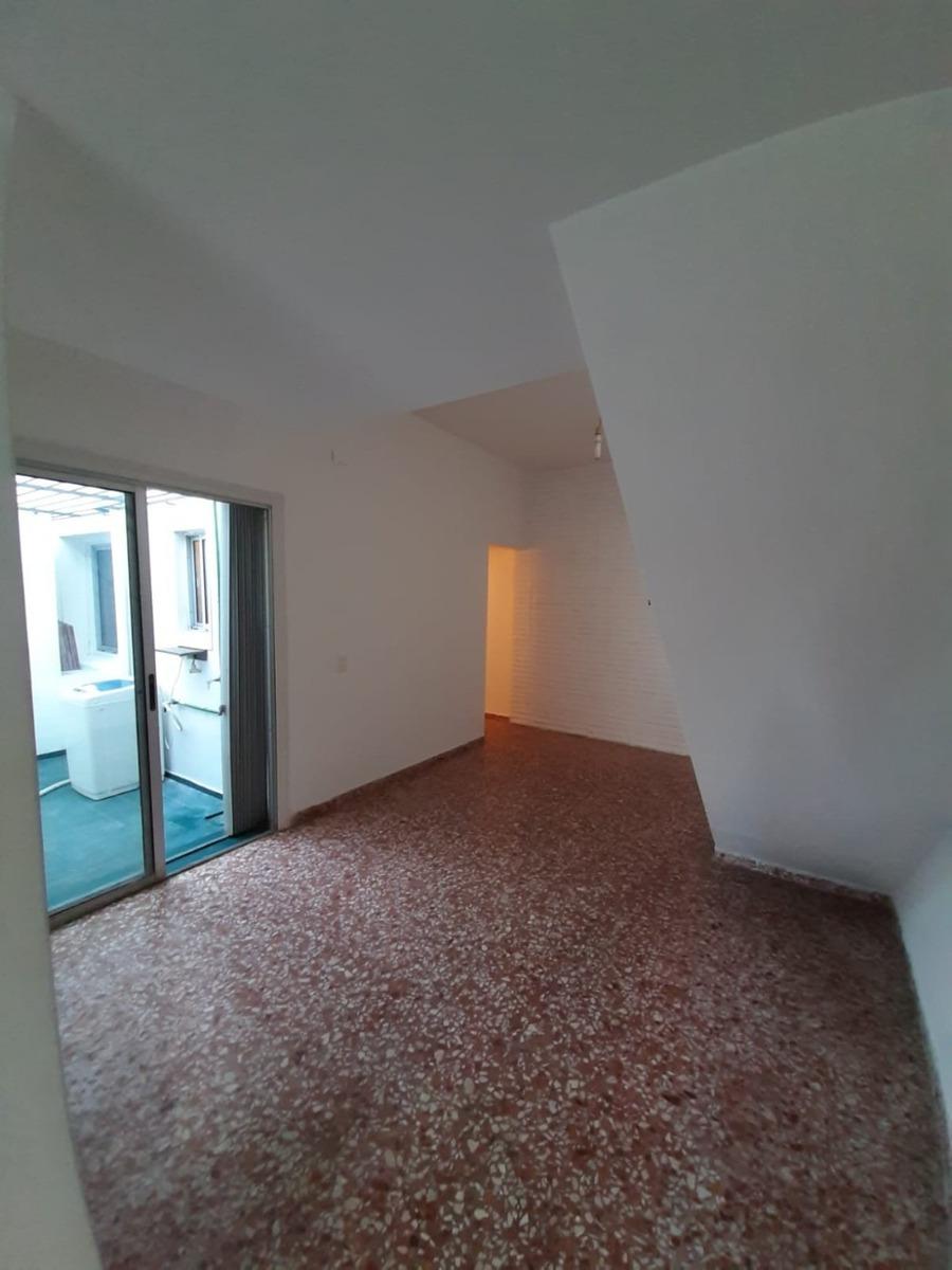 alquiler casa barata 2 dorm 2 pisos sin gc con parrillero