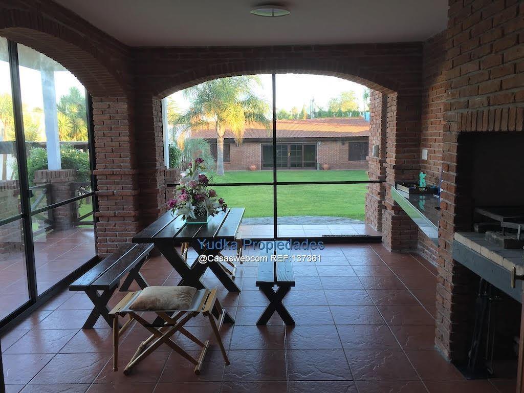 alquiler casa carrasco 4 dormitorios , fondo , piscina