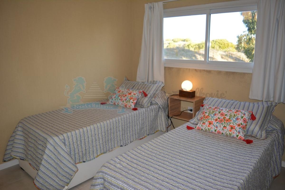 alquiler casa costa esmeralda  2° quin febrero 4 dormitorios