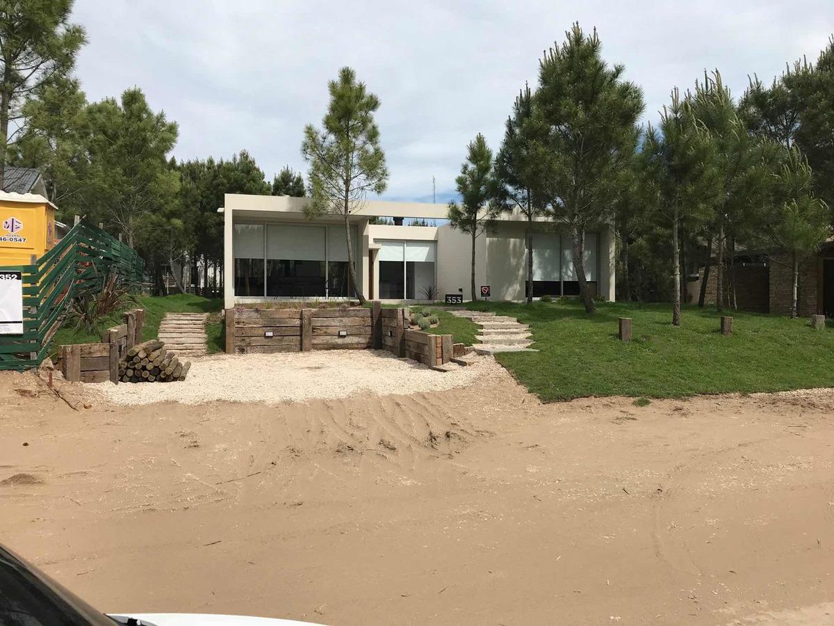 alquiler casa costa esmeralda verano vacaciones pileta playa