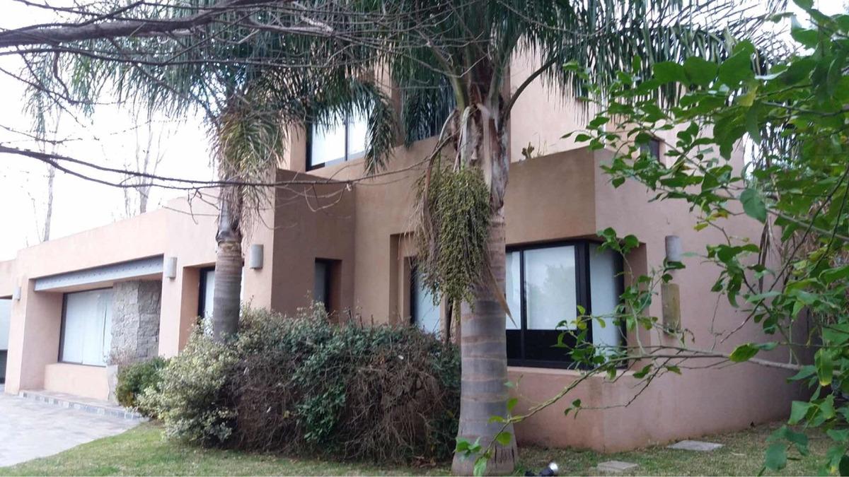 alquiler casa en barrio privado altos de la tahona