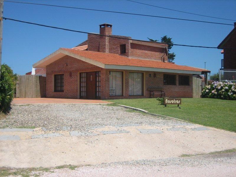 alquiler casa en punta del este con piscina