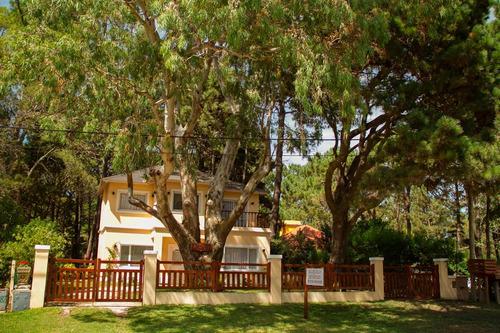 alquiler casa  en valeria del mar con 5 ambientes 2 baños