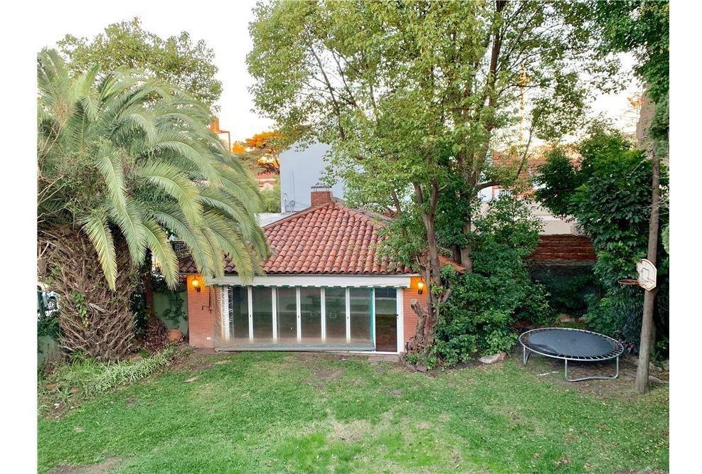 alquiler casa en vicente lopez con jardin piscina