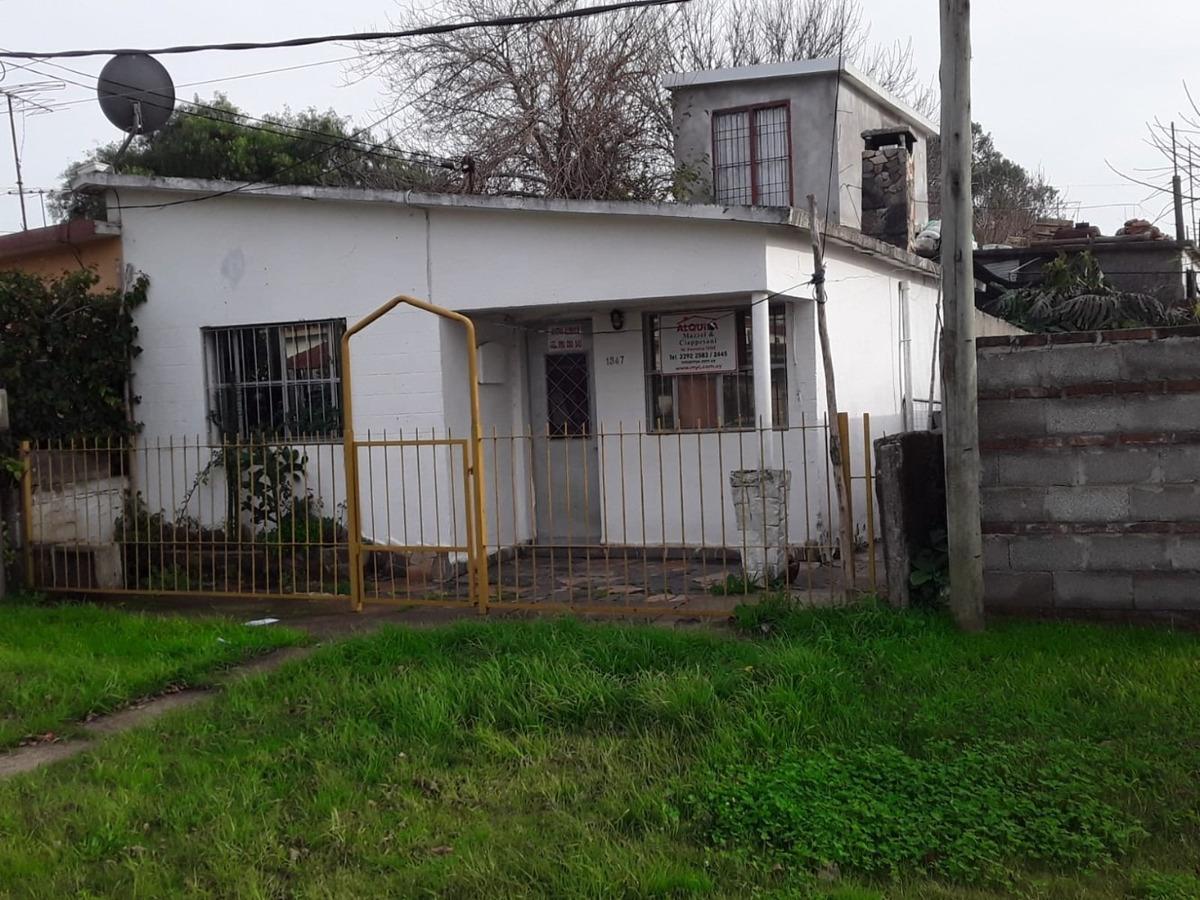 alquiler casa ituzaingó nº 1347 entre lavalleja y c.gardel.