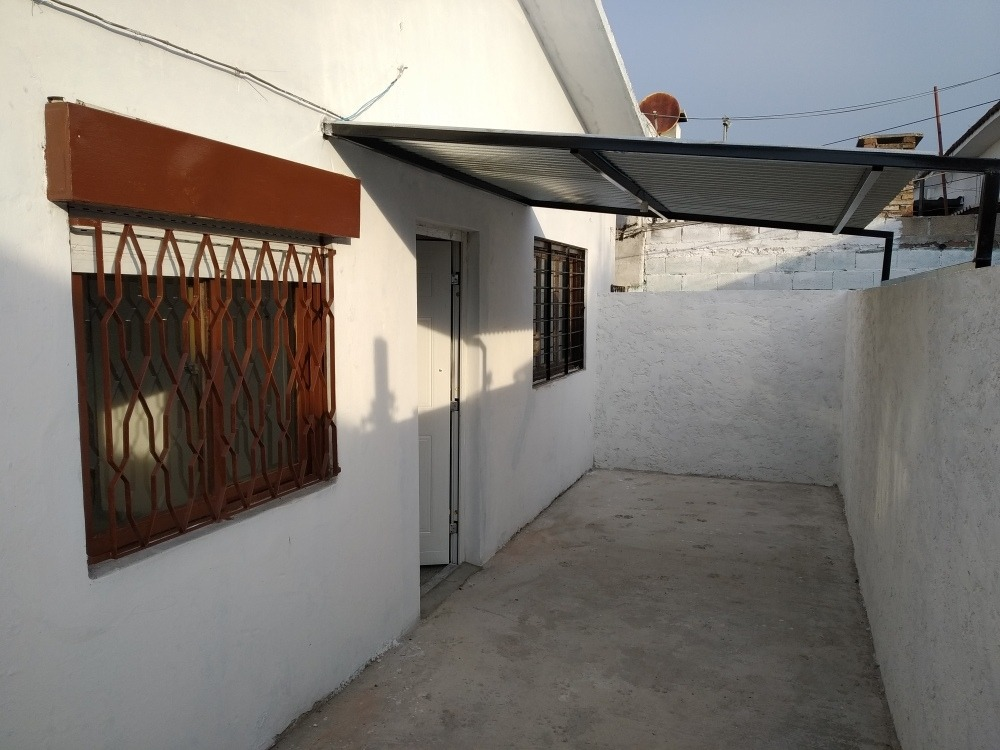 alquiler casa las piedras dos dormitorios, cochera, patio