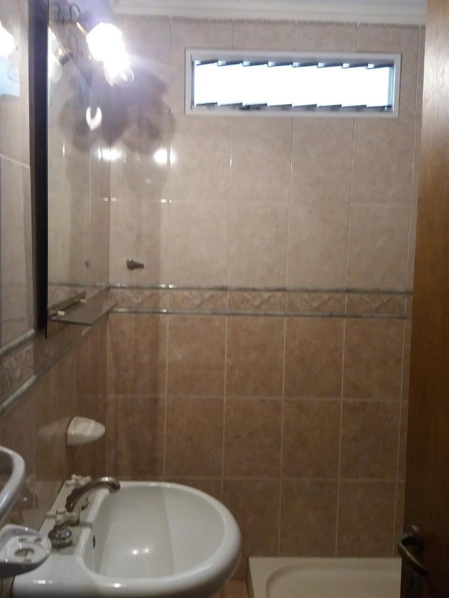 alquiler casa p/8 personas 2 baños ambos c/ducha. muy comodo