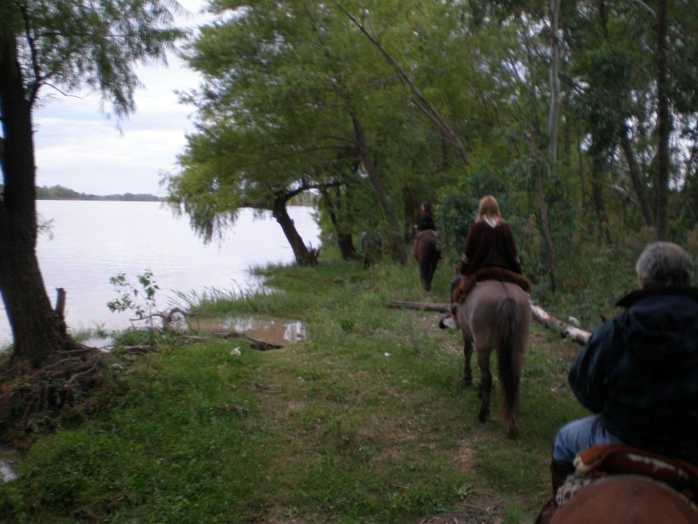 alquiler chacra campo bosque rio caballos  seguridad