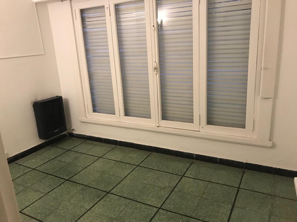 alquiler chalet apto consultorios de estética / uso profesional- roca esquina mendoza - una sola planta