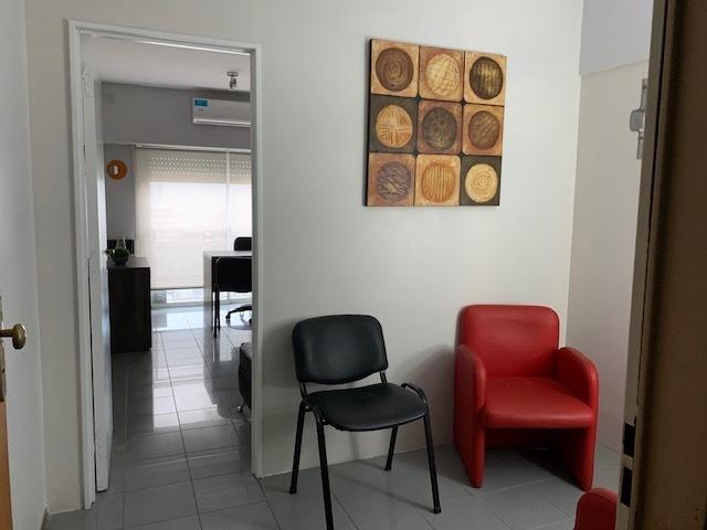 alquiler consultorio/oficina por modulo en edificio centrico