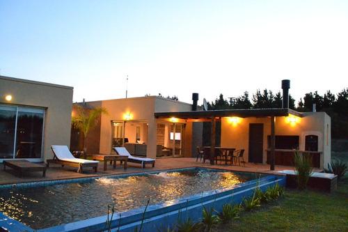 alquiler costa esmeralda - pileta - 4 dormitorios