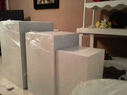 alquiler de 3 mesas cuadradas especiales para eventos