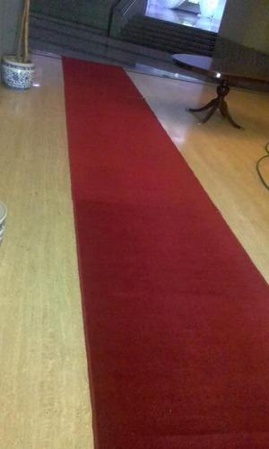 alquiler de alfombra roja tipo pasarela para eventos.