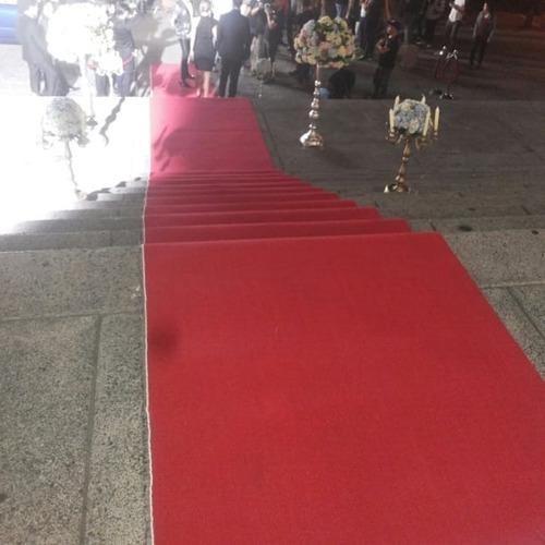 alquiler de alfombra roja y diplomaticos