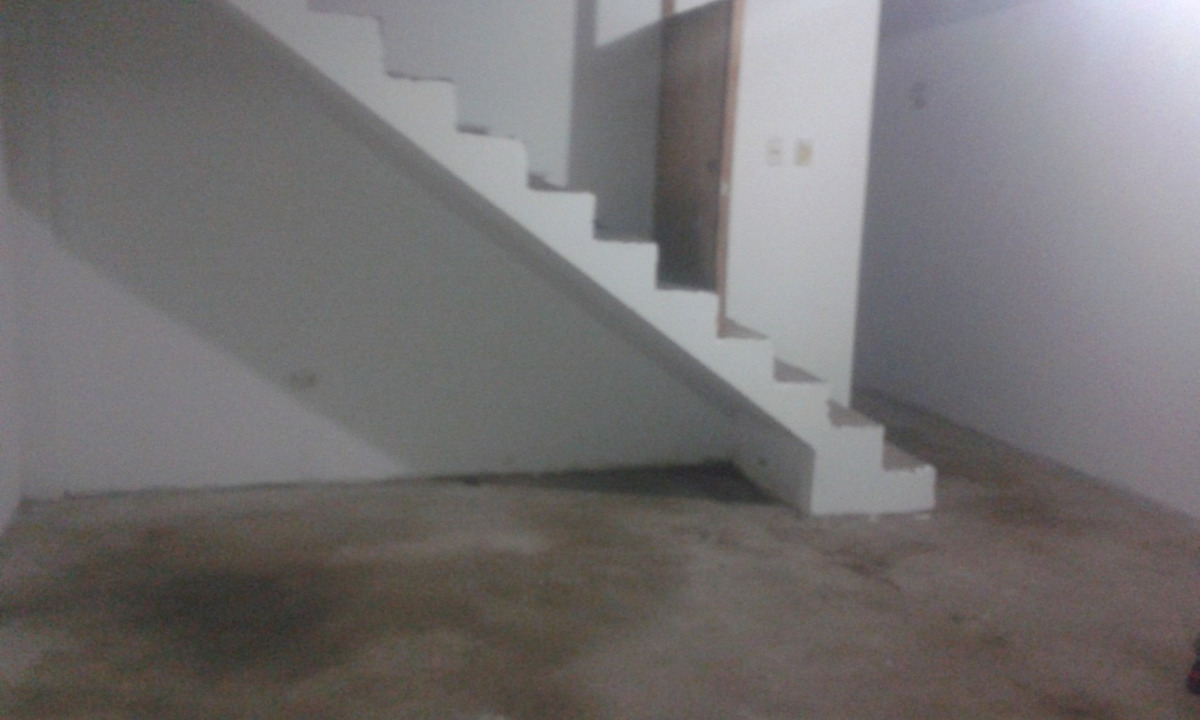 alquiler de amplio  departamento en segundo piso