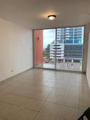 alquiler de apartamento en la avenida 12 de octubre  $850
