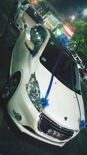 alquiler de auto para casamientos, 15 años, bautismos.