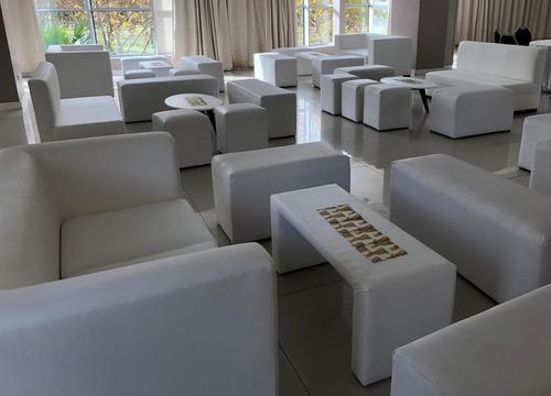 alquiler de baquetas livings cubo capitone y mesas altas