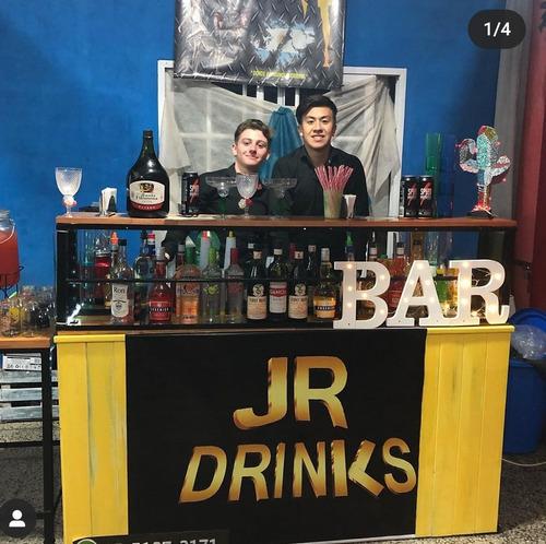 alquiler de barra móvil con barman