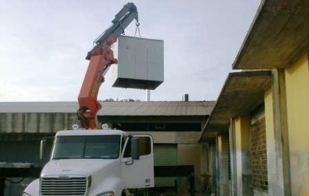 alquiler de brazo hidraulico. capacidad 10 ton