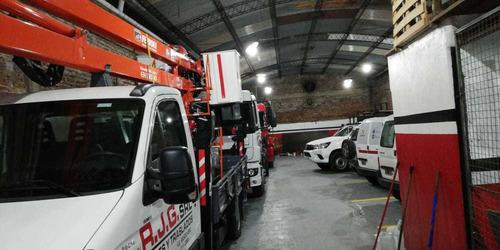 alquiler de camiones con hidrogrua, hidroelevadores, gruas