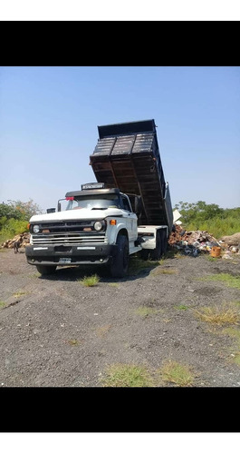 alquiler de camiones volcadores, playos, maquinas  viales