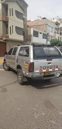 alquiler de camioneta hilux 2012