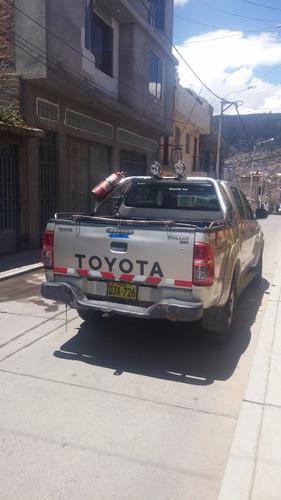 alquiler de camioneta toyota 4x4 full equipo