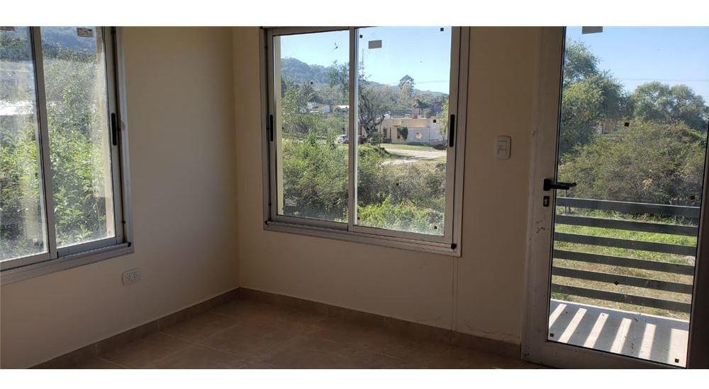 alquiler de casa en b° los perales - 4 dormitorios
